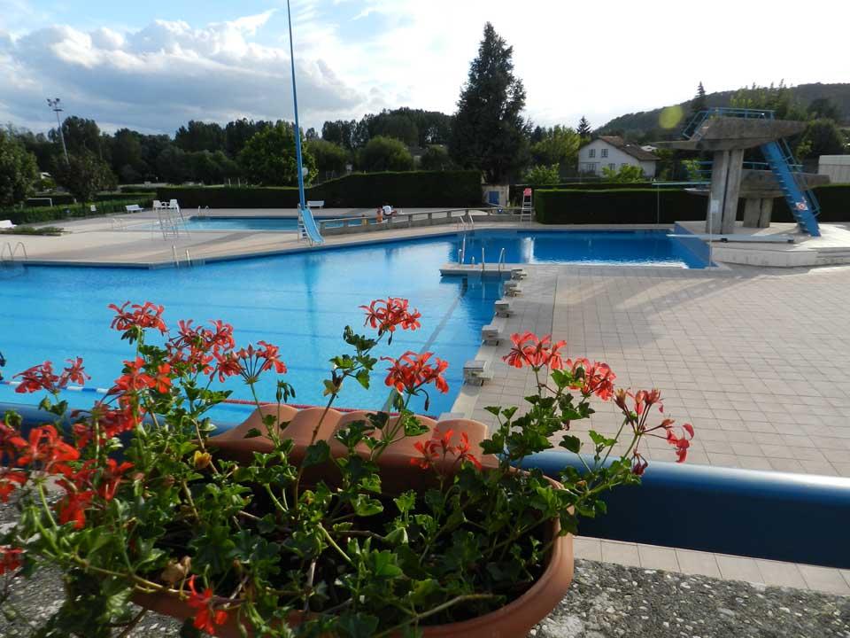Maison de retraite lagnieu free maison de retraite for Piscine amberieu